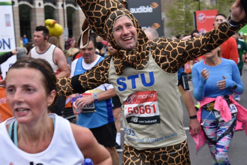 Stuart Atkiss dressed as a giraffe for the London Marathon 2019